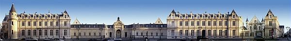 La facade du Cnam en panoramique, rue Saint-Martin